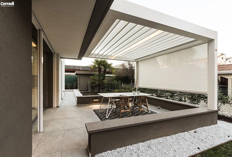 Tenda bioclimatica del brand Corradi per living outdoor