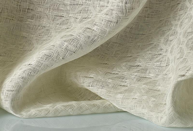 Tessuto bianco Seta Dedar